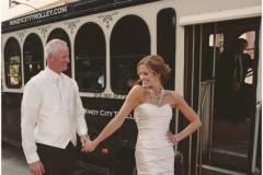 chicago_wedding_elizabeth_ashley_photography_windy_city_trolley_sneak_peek_005